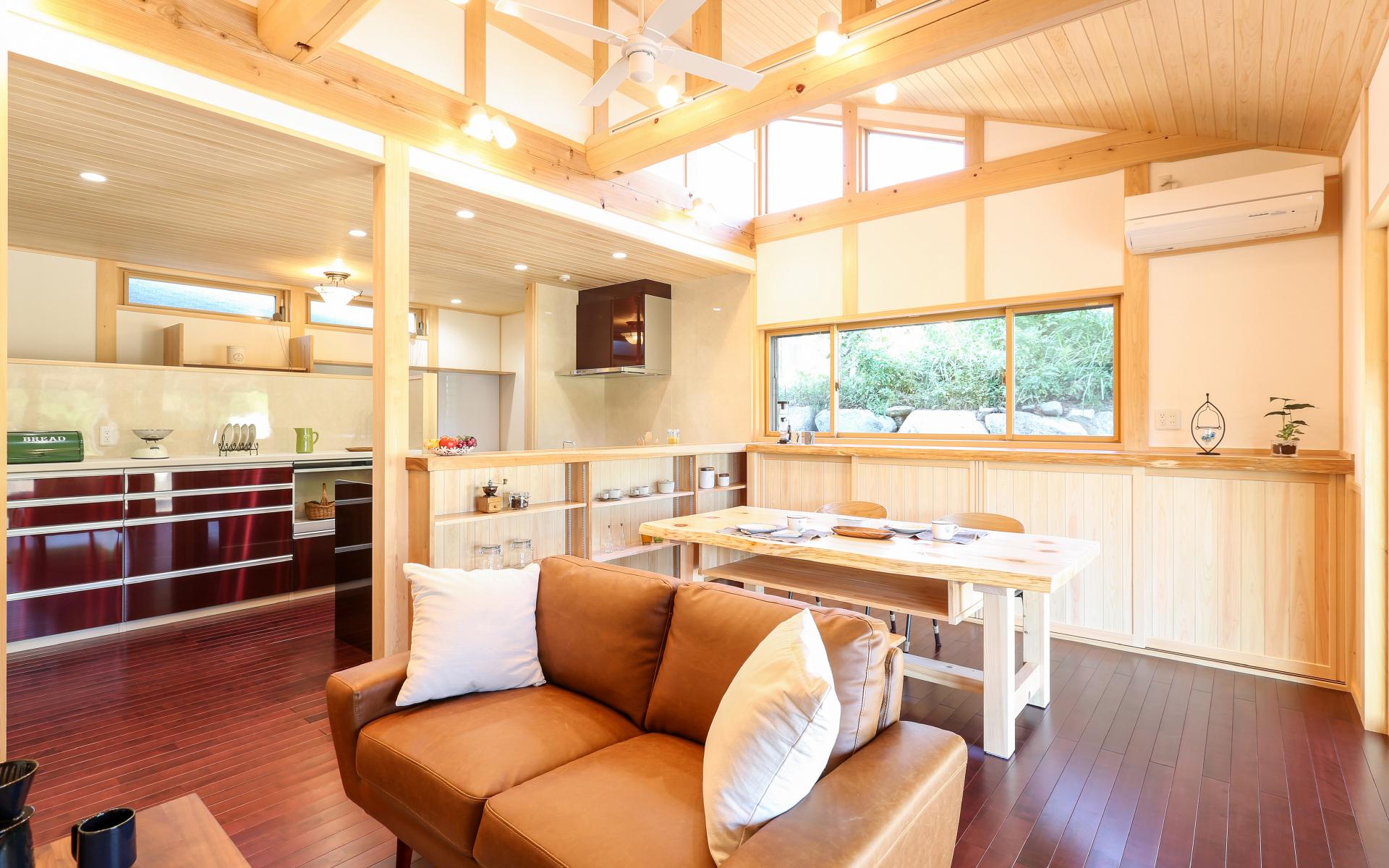女性建築士、インテリアコーディネーターによる家づくり。お母さん目線で生活動線を設計。こだわりの家具、収納、キッチン設計をいたします。愛知県の注文住宅は深見工務店